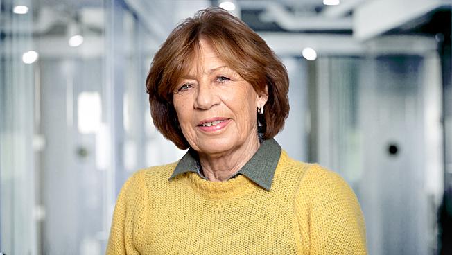 May Elisabeth Karlsen, Adb Regnskap